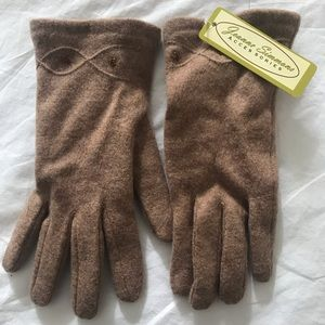 Jeanne Simmons Tan Gloves